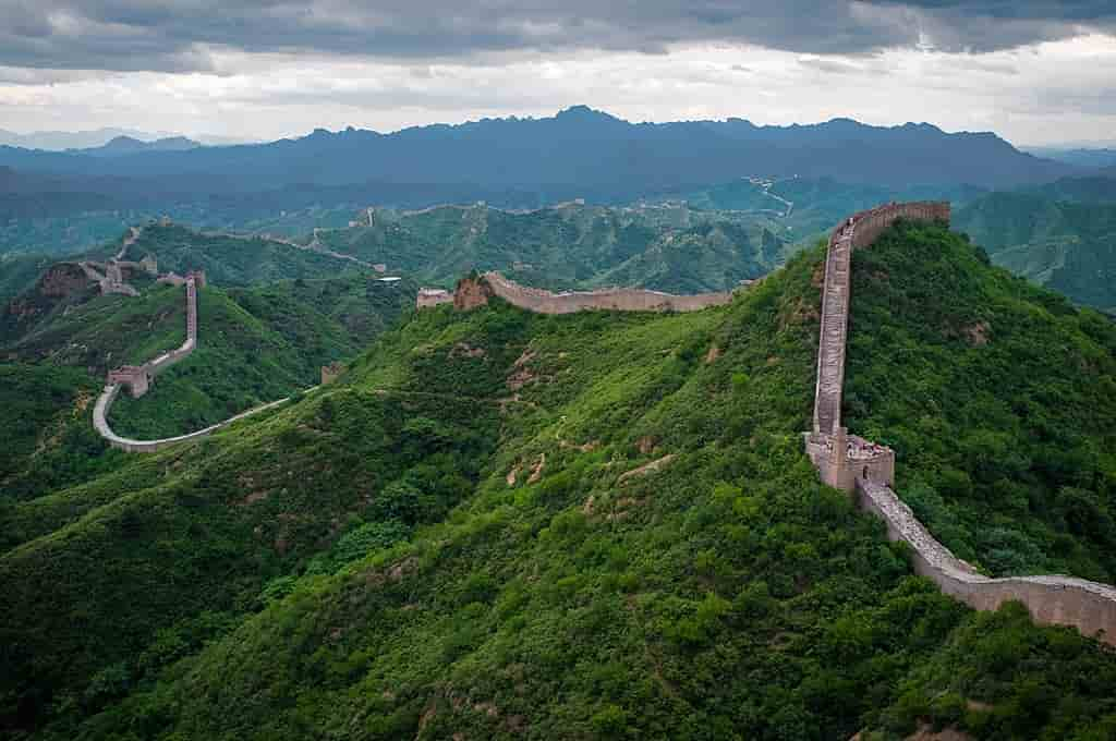 Great Wall of China, Amazing Places to Visit Before it's too late