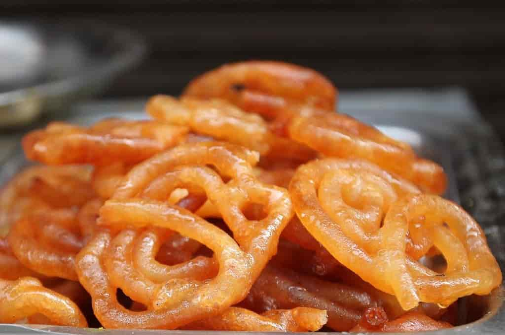 Jalebi, How to eat Street Food in India without getting sick?