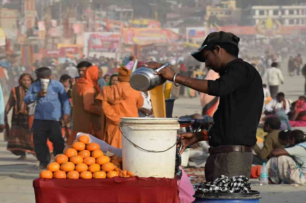 Juice Vendor, How to eat Street Food in India without getting sick?